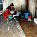 ◆売春宿の料理風景。カンボジアで見た売春地帯の料理の光景