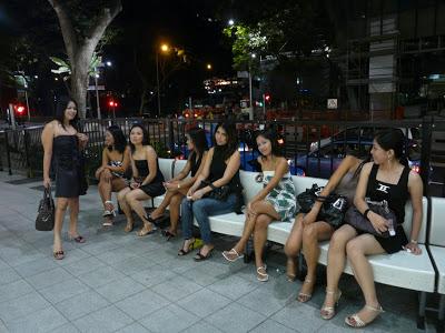◆クレイジー・ホース。オーチャード・タワーの女たちと英語