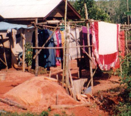 ◆売春村のアニー。熱帯の匂いを濃密に漂わせた、売春村の夜