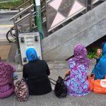 ◆ジルバブをつけたインドネシアの女性たちはとても華やか