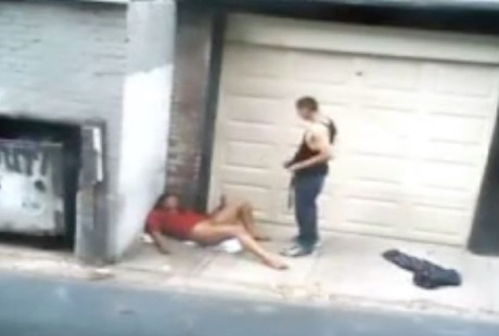◆ドラッグ依存の売春女性が路上で男に使い捨てされる現場