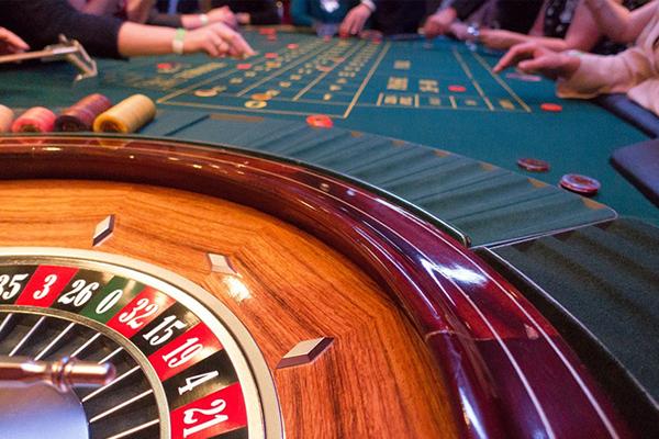 ギャンブル。不運を積み重ねる人と付き合っても得することは何もない