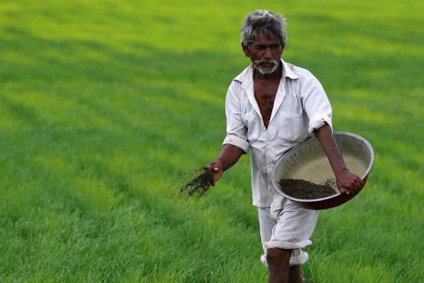 スラムを撤去しても、貧困問題が解決しない限りインドには未来がない
