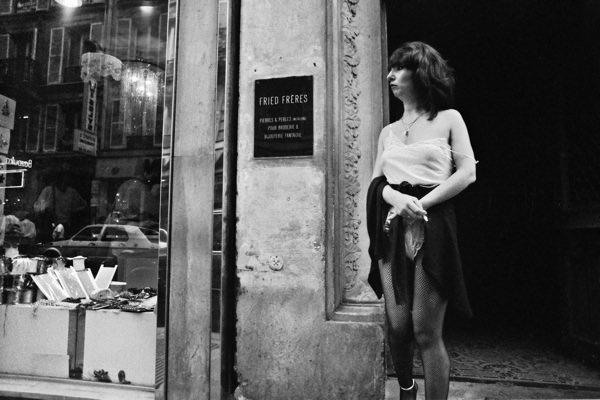 ◆1984年から1992年までのパリでのストリート売春を写真で見る