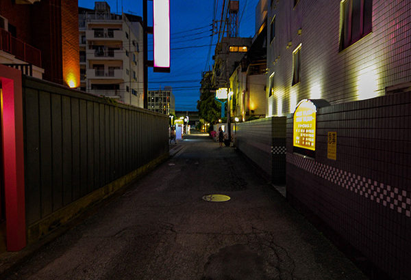 ◆町田にいた野良犬の女。スマートフォンが圏外になってストリート売春(1)