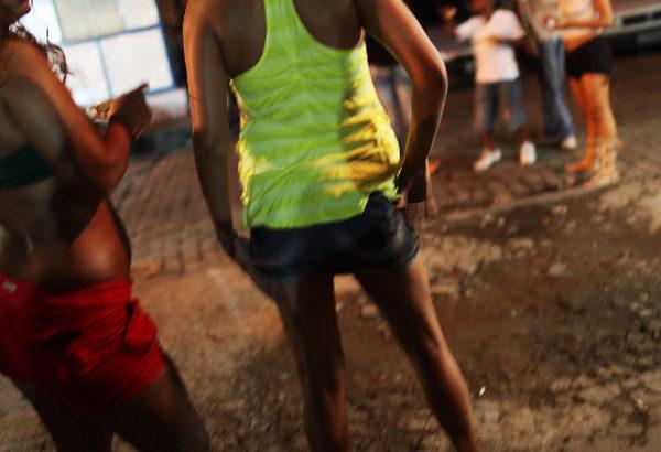 ◆10万人の少女が売春をする国。彼女たちを28ドルで買っている男たち