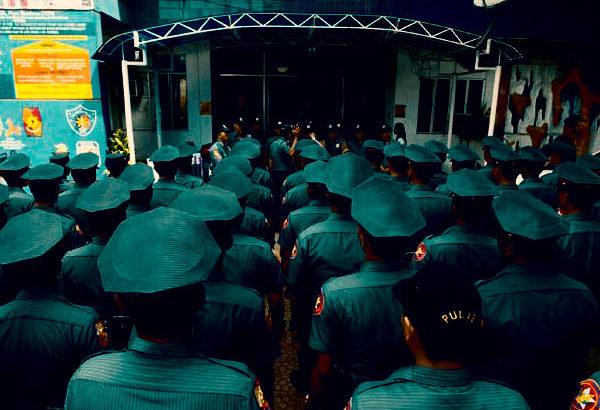 腐敗した警察官は権力を持った暴力団。そして世界は腐敗で満ちている
