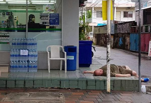 ◆酔ったファラン、暴れるファラン。パタヤ売春地帯は結局これからも続く