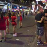 ◆ハイエナたちは今日もパタヤで不特定多数の女たちと濃厚接触を楽しんでいる