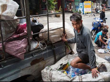 ◆貧困層のビジネス。金持ちが貧困層に「売ってくれ」と泣いて頼む商品がある