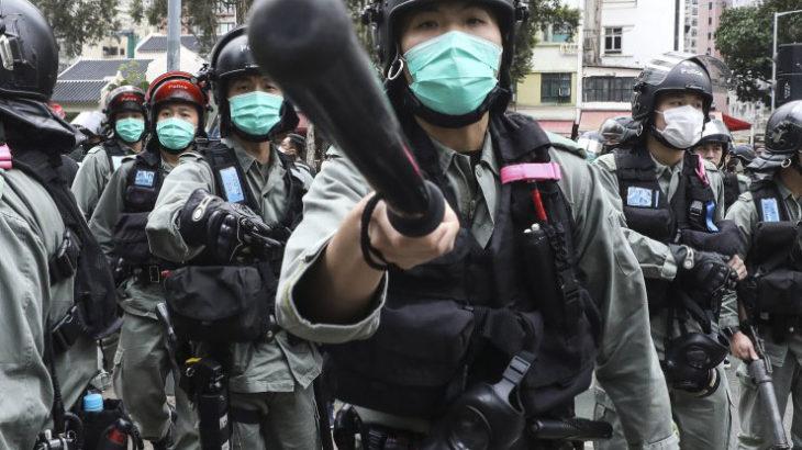 日本人は幸せだ。多くの国では政権を批判するというのは死に直結する行為だ